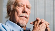 DGA Quarterly Magazine Fall 2005 Interview Robert Altman